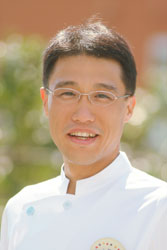 院長 医学博士 満尾雅彦